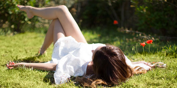 Laying in the grass - l'Occitane